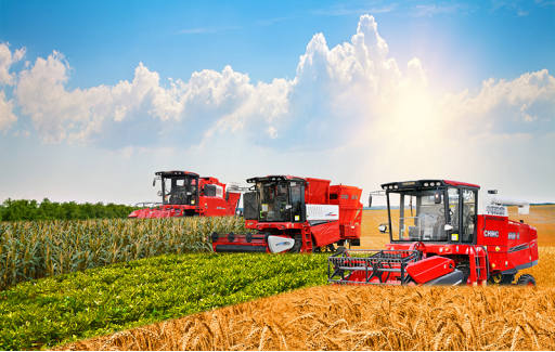 Zhengzhou Zhonglian peanut harvester appeared at Wuhan Agricultural Machinery Exhibition