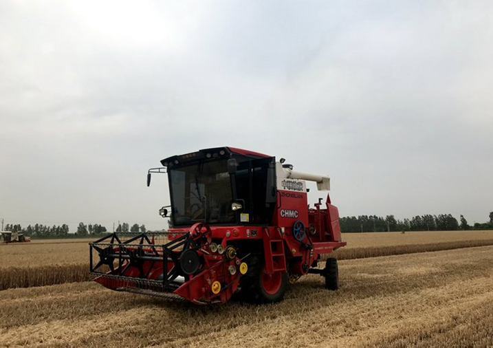 This wheat harvester always cleans and runs fast
